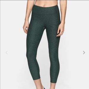 Outdoor Voices hunter green Warmup Leggings 3/4 M